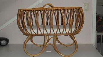 Mooie antieke ovale rieten wieg incl. matras cunas moises y