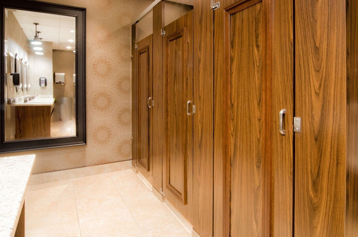 Ironwood Manufacturing Laminate Toilet Partitions And Doors With Molding Restroom Design Public Restroom Ironwood