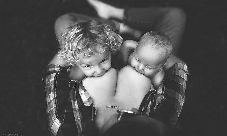 Woman celebrates extended breastfeeding in stylish snaps