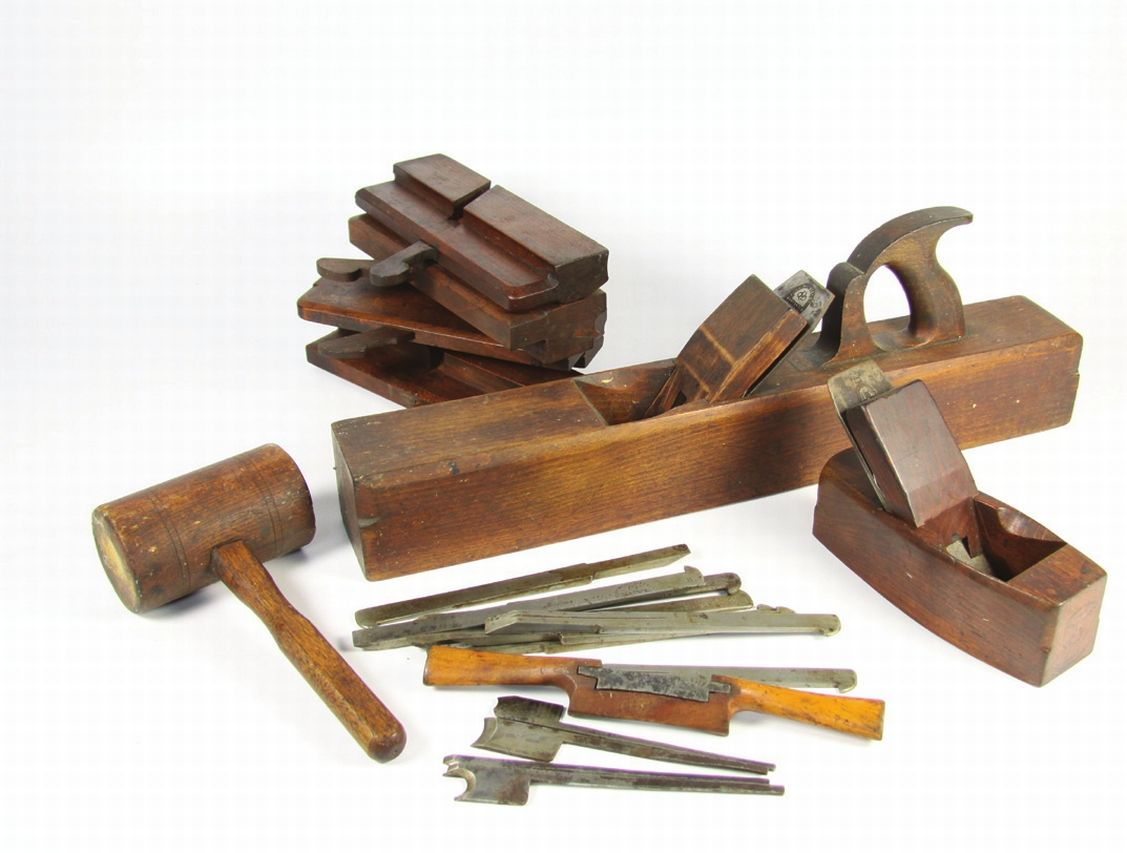 Antique Woodworking Tools There are lots of beneficial suggestions regarding your wood working undertakings located at http://www.woodesigner.net