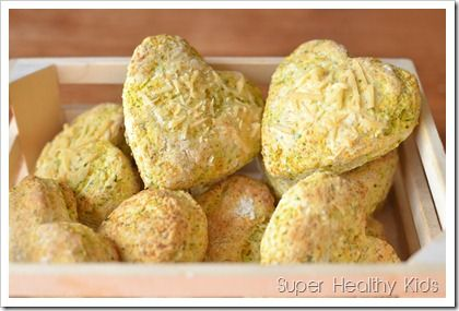 Broc and Carrot Biscuits  Alternative Biscuit Mix for Babies:   Combine 1 cup flour, 1 cup dry infant rice cereal, bananas, ice water and 3 tbsp. cooking oil. Form little biscuits with your hands and bake for 10 to 12 minutes on a cooking sheet.