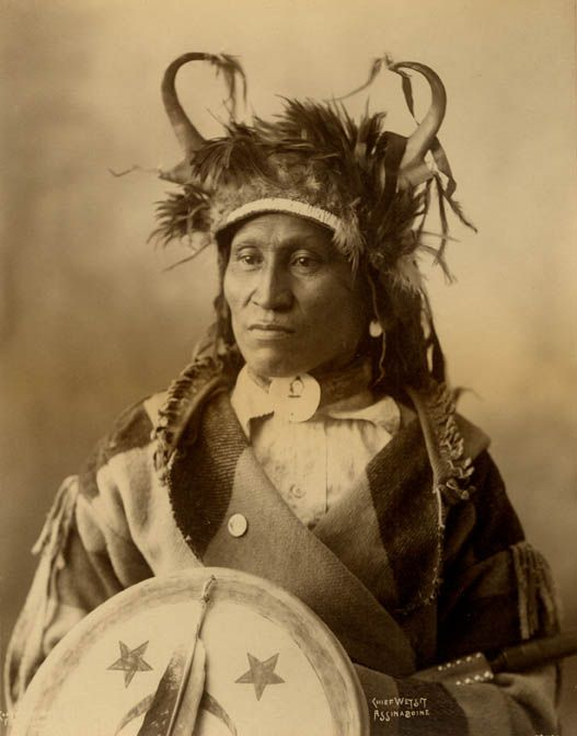 Wets It - Assiniboine - 1898