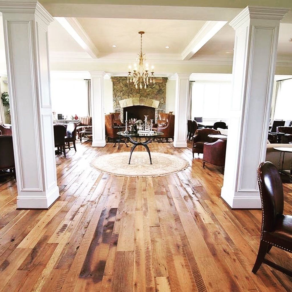 Reclaimed Hit and Skip Oak Flooring Oak floors, Flooring