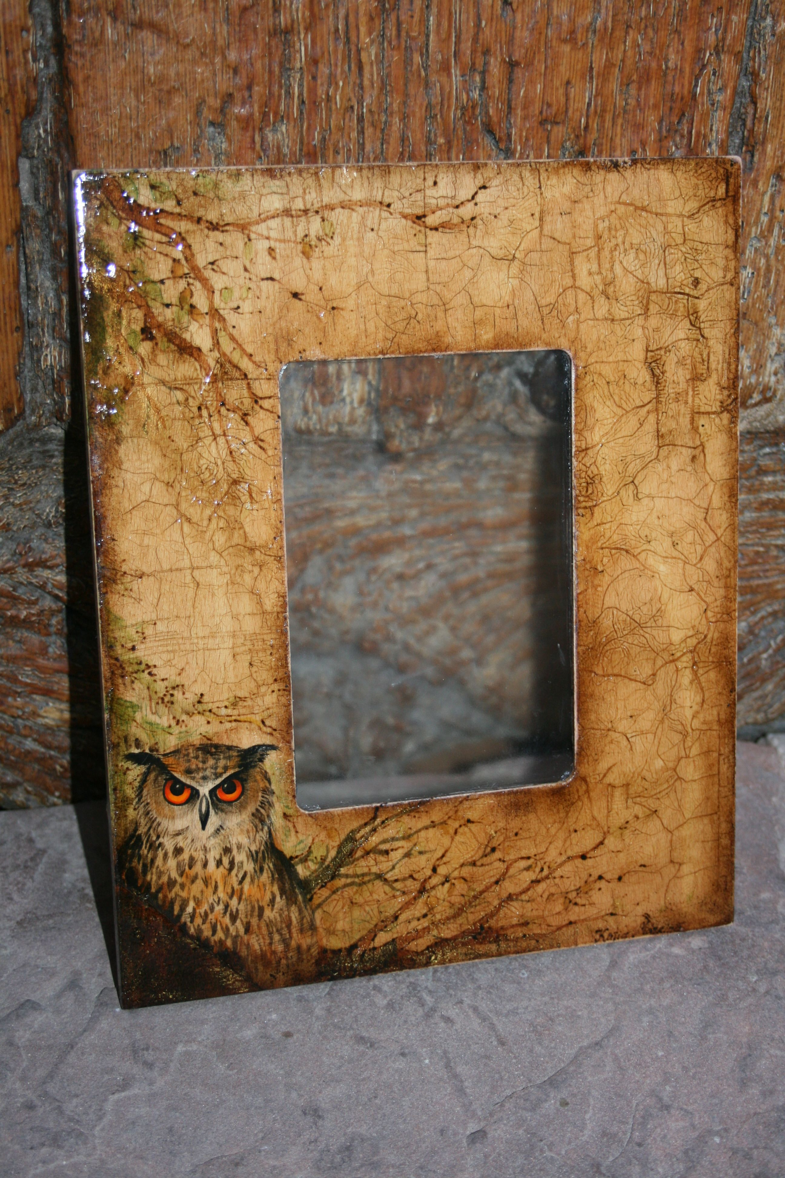 Búho .Marco de foto pirograbado y pintado a mano,pieza única .Autor ...
