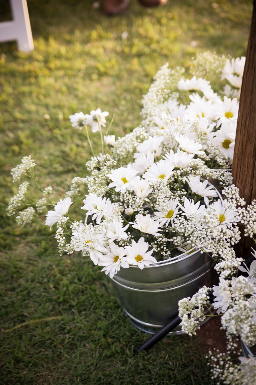 Wedding decorations country  Country Wedding Decorations Flowers in Tin Buckets  stolismos