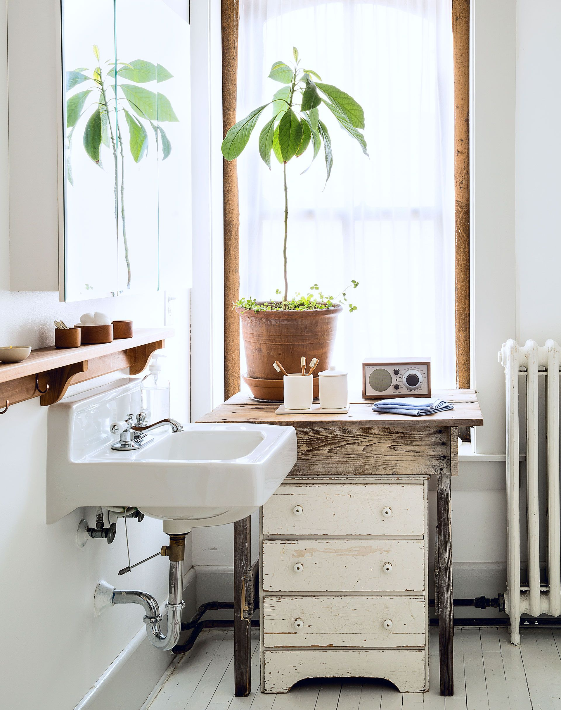 90 Inspiring Bathroom Decorating Ideas | Small storage, Vintage ...