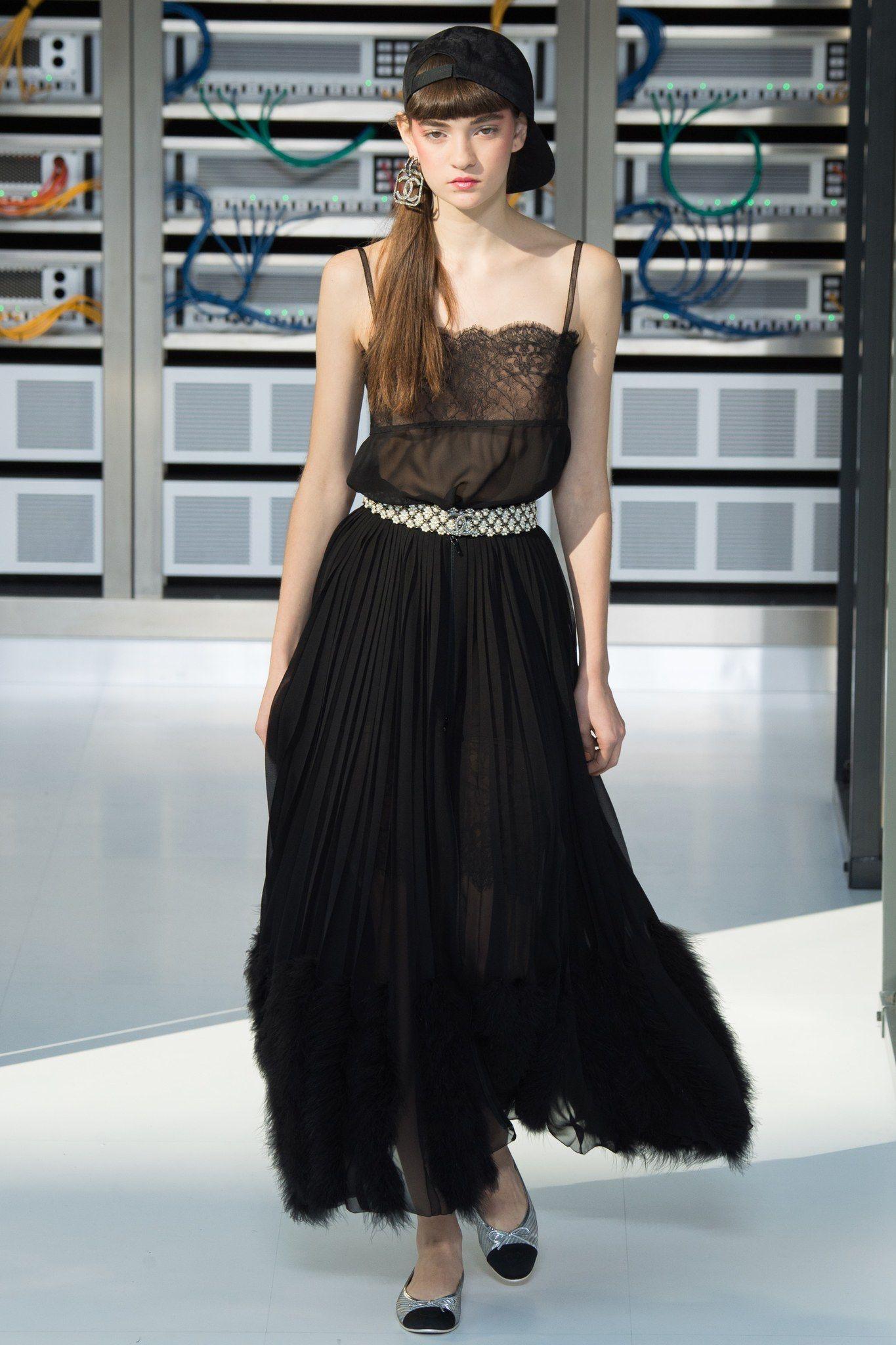 Chanel spring readytowear fashion show fashion show chanel