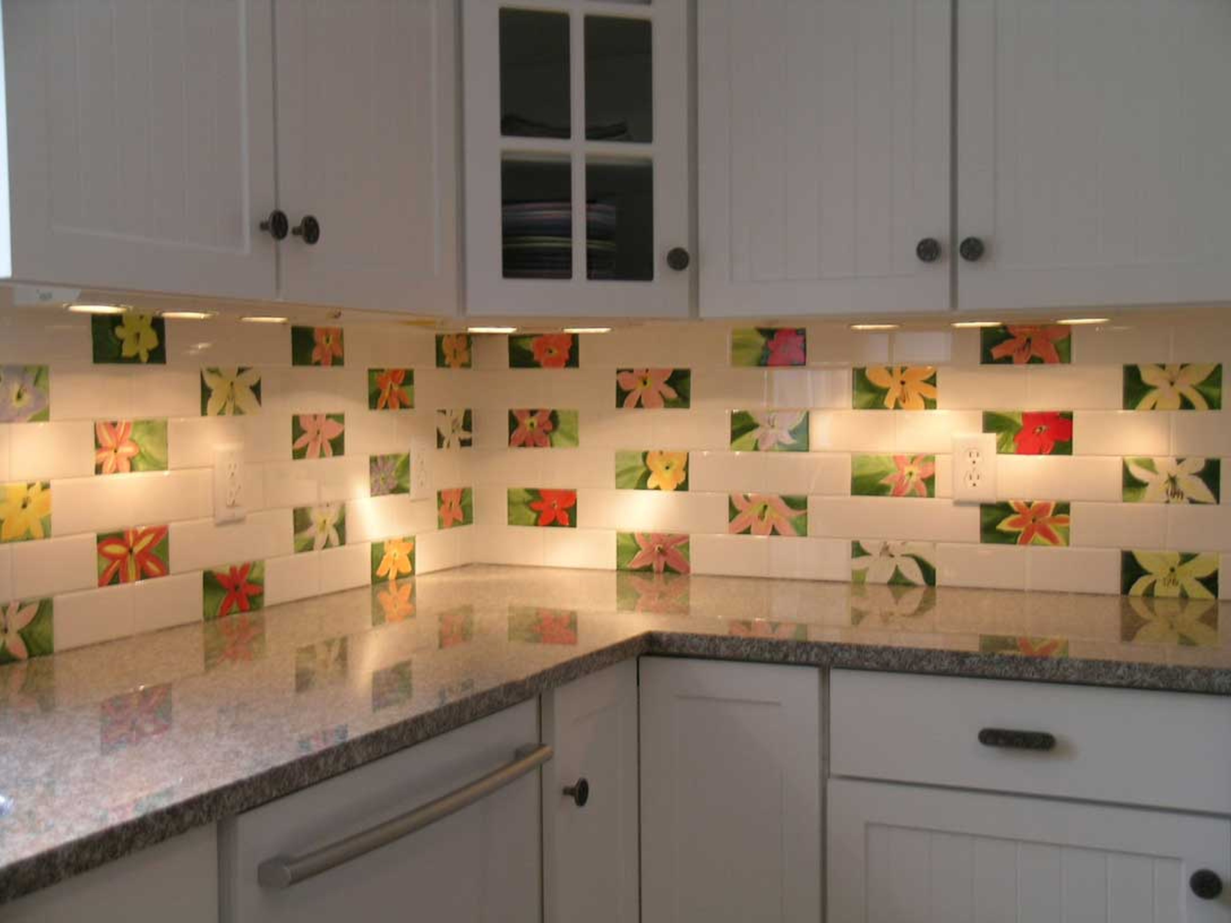 Chic Tiles In The Blink Of An Eye Kitchen Design Ideas