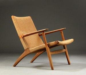 Hans J. Wegner. Lænestol, model CH25 af egetræ, 1960'erne