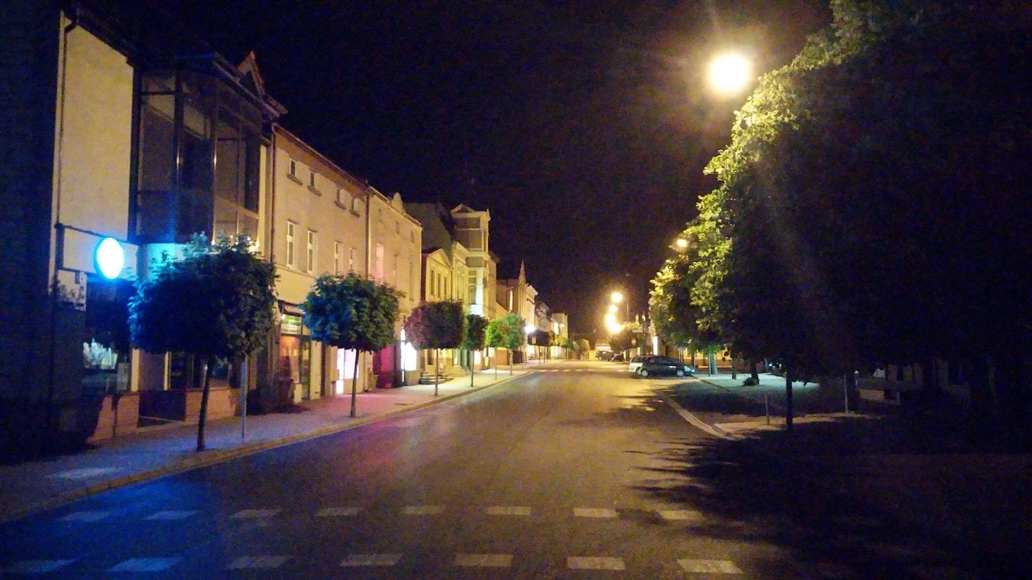 Aleja Jana Pawła II w Wągrowcu. #wagrowiec #wielkopolska #polska #poland #wągrowiec #ulica #street #night #noc #jp2 Fot. Ł. Cieślak
