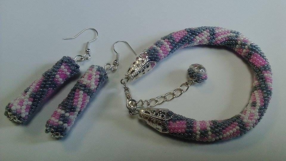 Scottish cell Jewelry Set ,Beaded, Crochet ,pink Jewelry Set  ,pink bracelet, beadwork Jewelry , handmade bracelet , handmade earring by KaznovskaOlhaDesign on Etsy