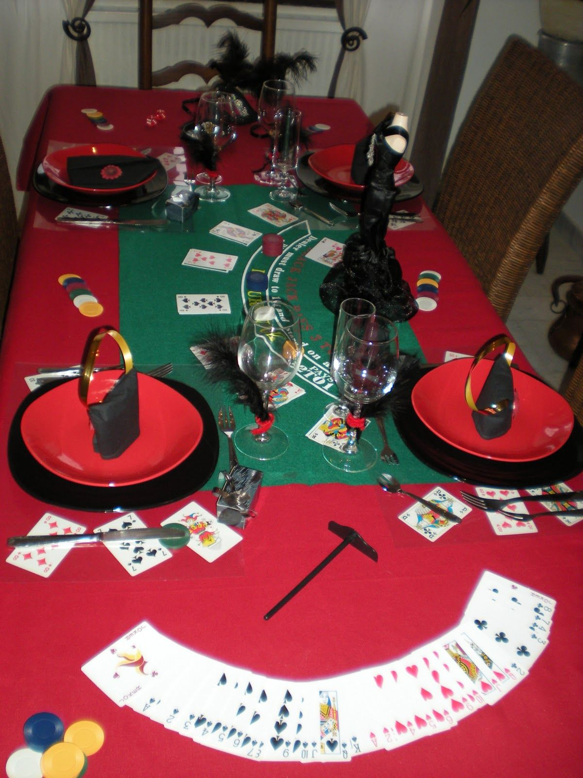 Nouvel an sur le th me jeux de casino d co th mes - Deco table reveillon nouvel an ...