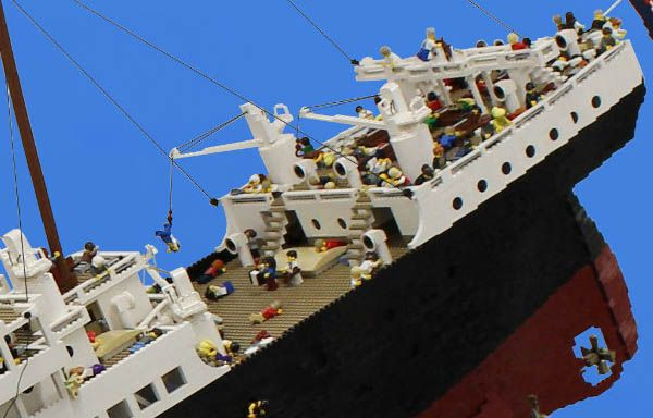 How To Build A Lego Ship That Sinks