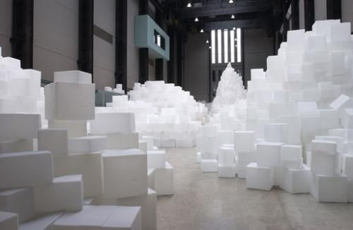 Currently On Exhibition At The Tate Modern Museum Is The Organization S 14 000 White Cubes Stacked In Various Ways The Cubes Were First Removed From The Plast