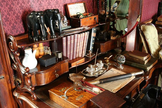 Kitschy Victorian desk at the Sherlock Holmes Museum