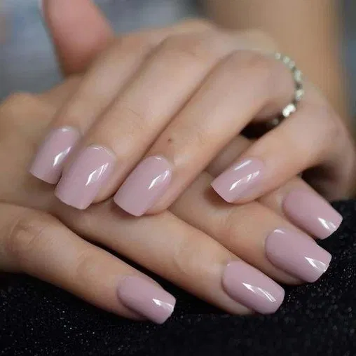 23 Trendy Winter Nail Colors to Warm Up Your Hands 9