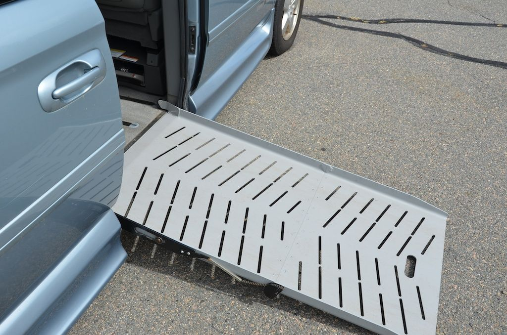 The Braun Ramp Extended On The 2006 Dodge Grand Caravan Sxt With An Amerivan Conversion For Sale Grand Caravan New England Dodge