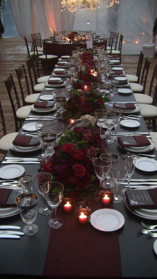 5 moody maroon table settings for your winter wedding for Silver centerpieces for dining table
