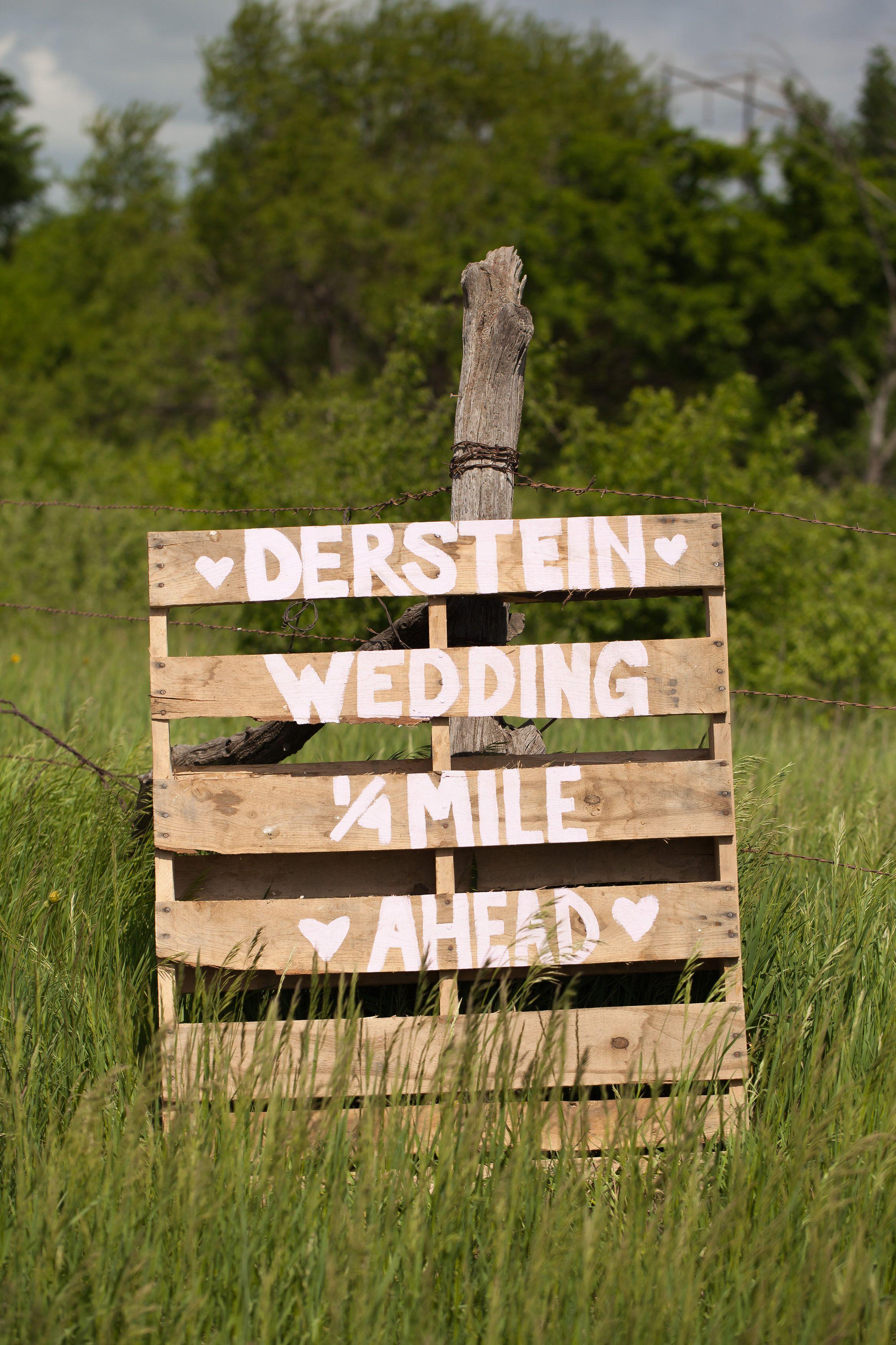 10 diy pallet sign ideas for wedding