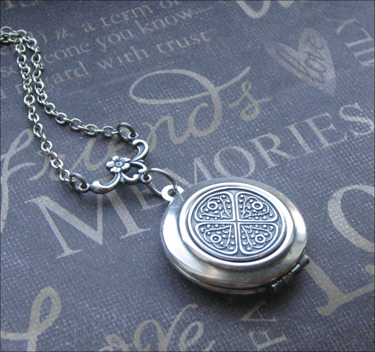 with knot product sterling matt locket cw pgd design chain oval on celtic silver lockets