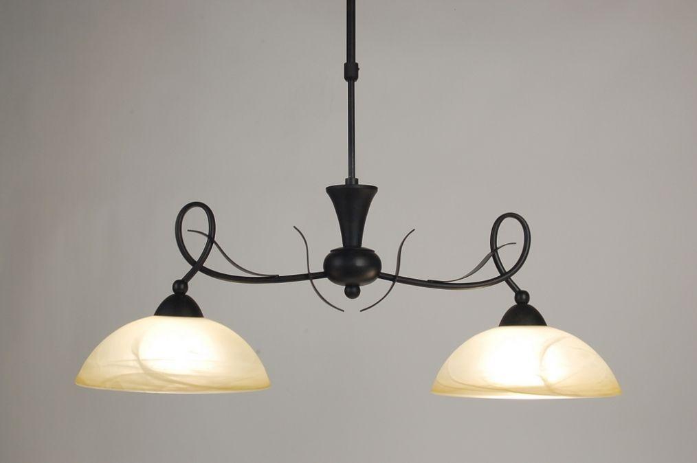 Artikel 58922 Deze sfeervolle hanglamp is gemaakt in een roestbruine ...