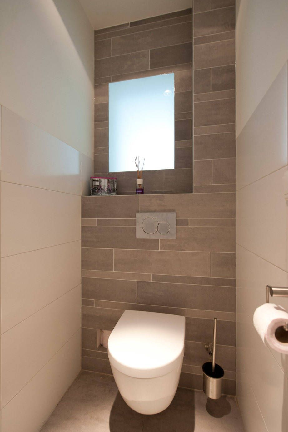Moderne Badezimmer Von Het Ontwerphuis Modern Kleines Wc Zimmer Wc Design Und Toilette Design