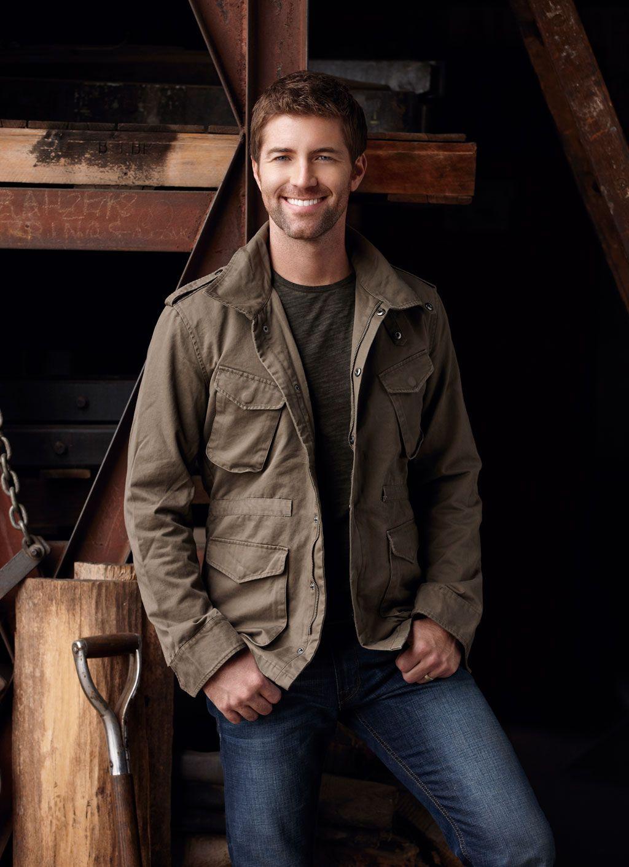 Josh Turner Sings Of Country Music S Traditions Josh Turner Top 100 Country Songs Country Music