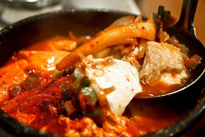 Các món ăn yêu thích của người Hàn Quốc - Đậu phụ hầm cay