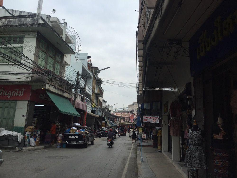 チェンマイ街歩き2日目午前 セラドン焼きを購入し モン族市場を散策 タイ チェンマイ タイ チェンマイ 旅 東南アジア