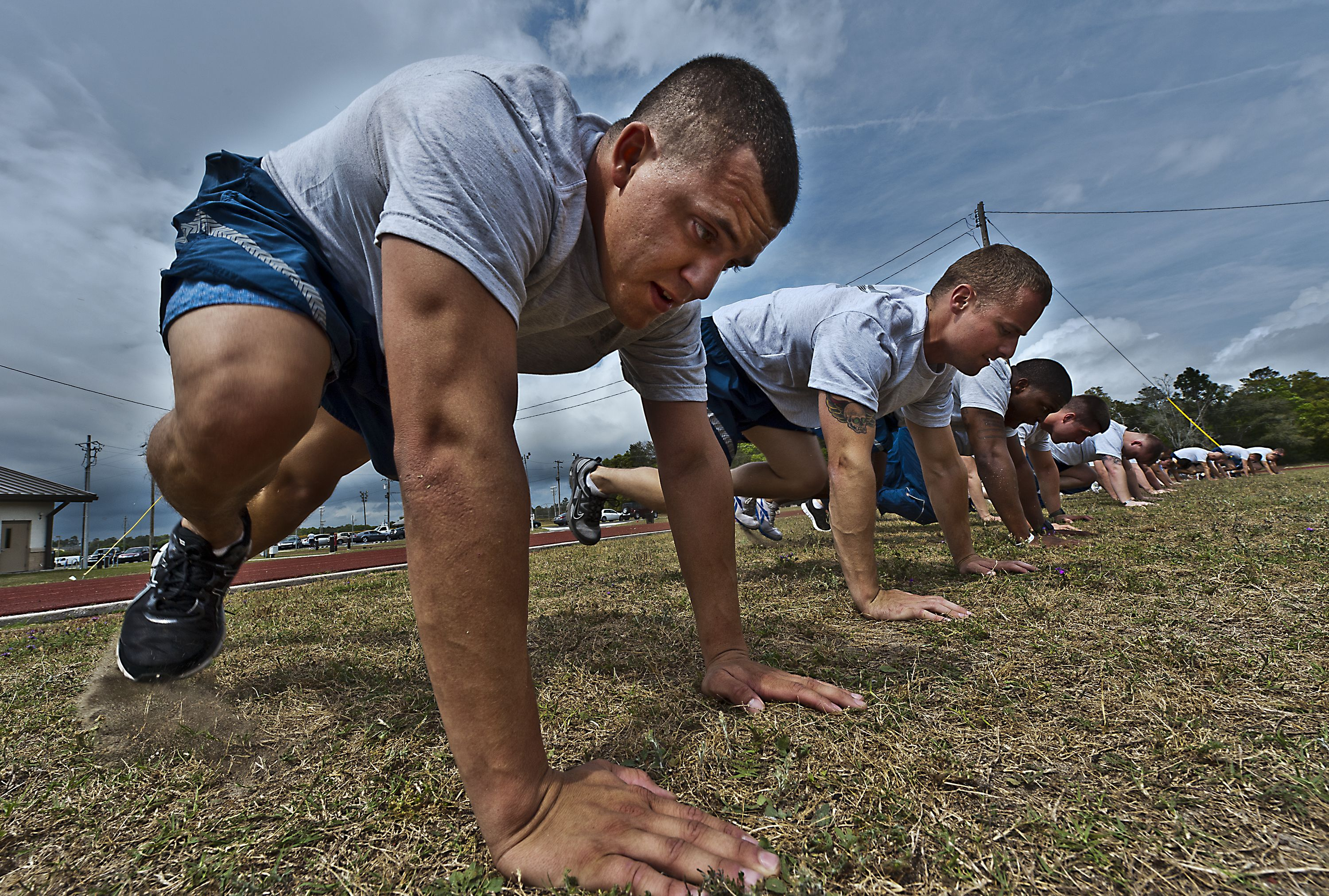 How To Avoid Overtraining Injuries Military workout