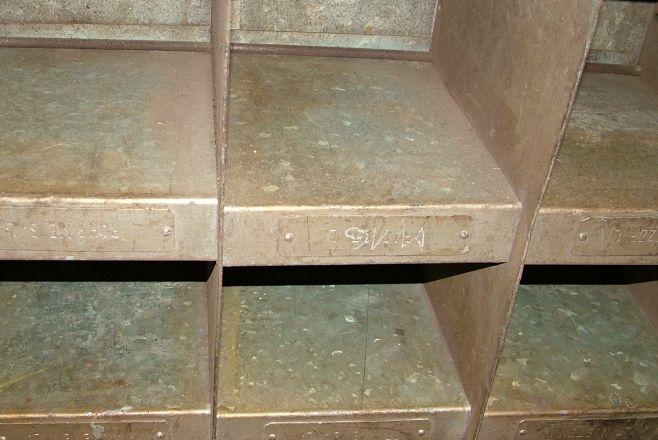 altes metallregal industriedesign werft vintage m bel berlin lagerung storage pinterest. Black Bedroom Furniture Sets. Home Design Ideas