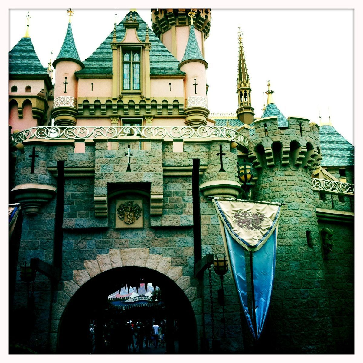 A Girl's Guide to Disneyland: 9 Magical Memories to Make (Not to leave the girls out #spon)