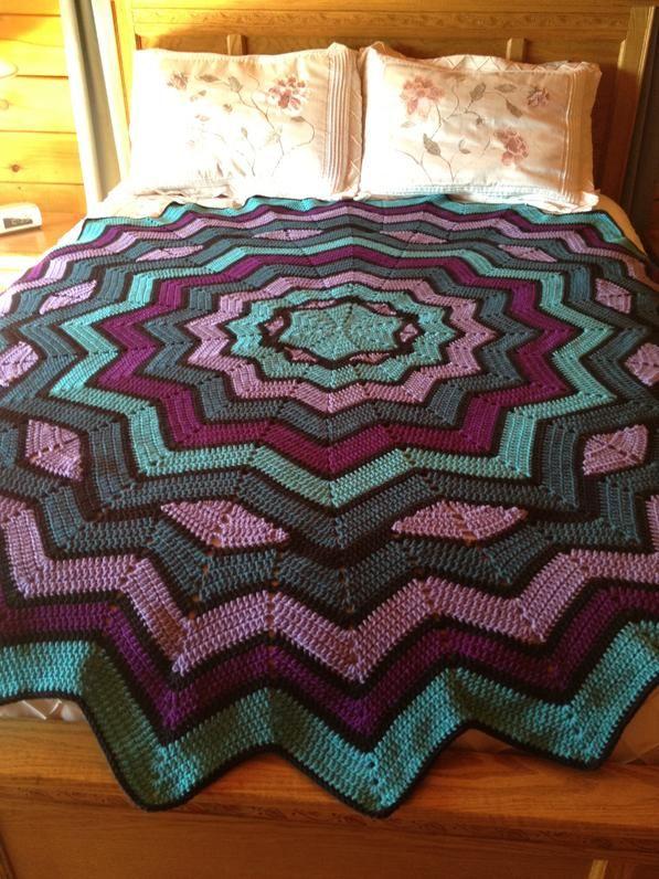 Pin de Lisa Bogle en crochet | Pinterest | Manta, Colchas y Cobija