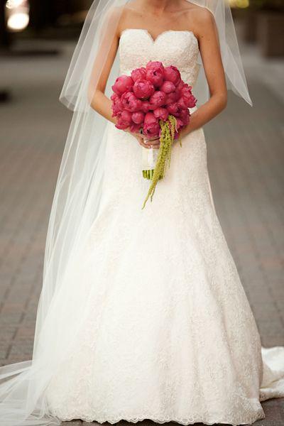 Pnina-Tornai-Gown + Bouquet!