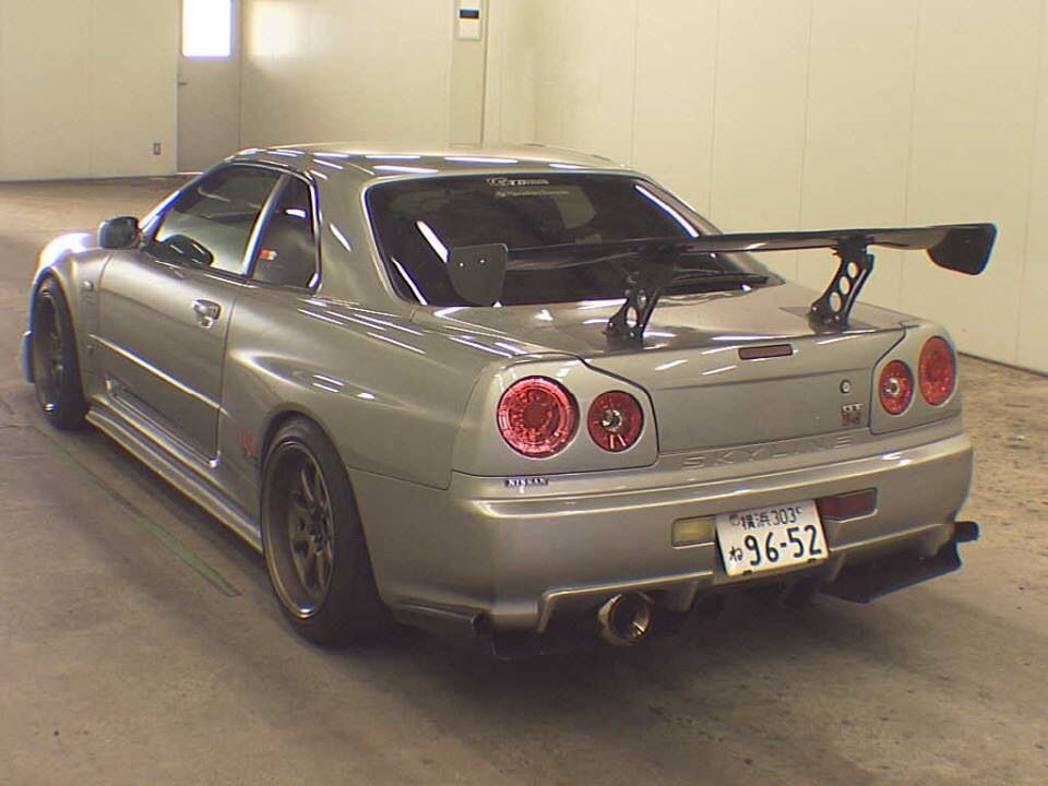 1999 JDM Nissan Skyline GTR R34 6 Speed BNR34 In Transit To Toronto Canada.