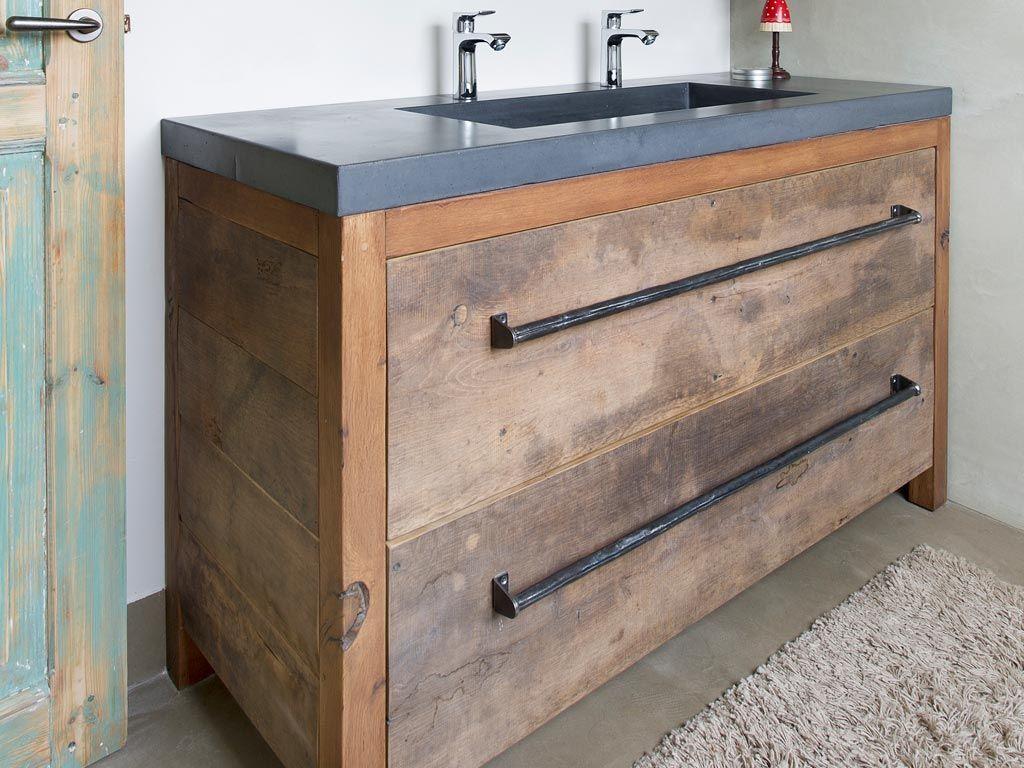 Wie hout in de badkamer wil hebben moet zeker de badkamermeubels van restylexl bekijken de - Hout voor de badkamer ...