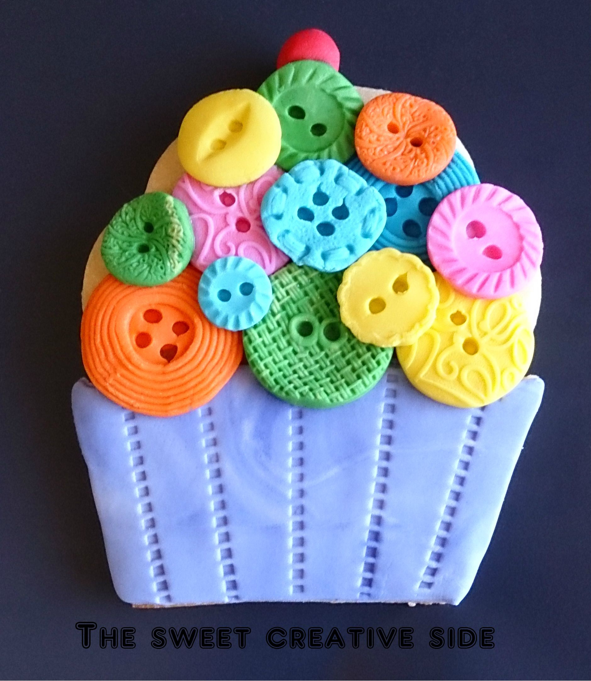 Button Decorated Cupcake Cookie Biscuit Wwwfacebookcomthesweetcreativeside