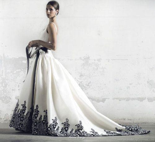 un traje de #novia con detalles en color negro, a mi me gusta