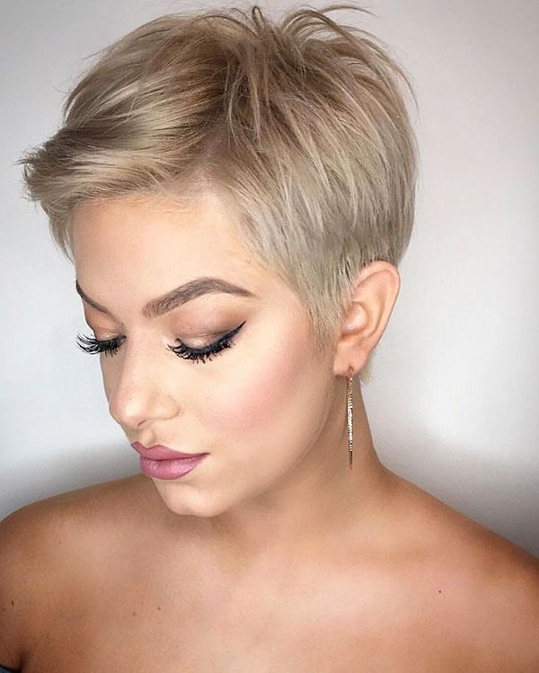 60+ New Short Blonde Hairstyles 2019 #shortpixie