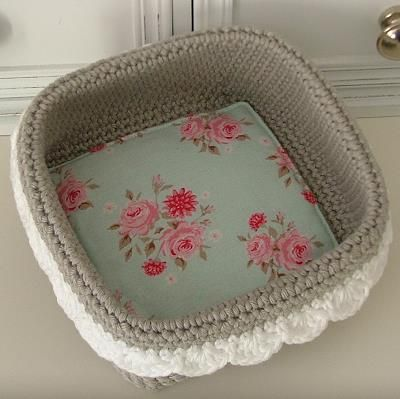 freie anleitung h kelk rbchen geh keltes crochet crochet patterns und crochet basket tutorial. Black Bedroom Furniture Sets. Home Design Ideas