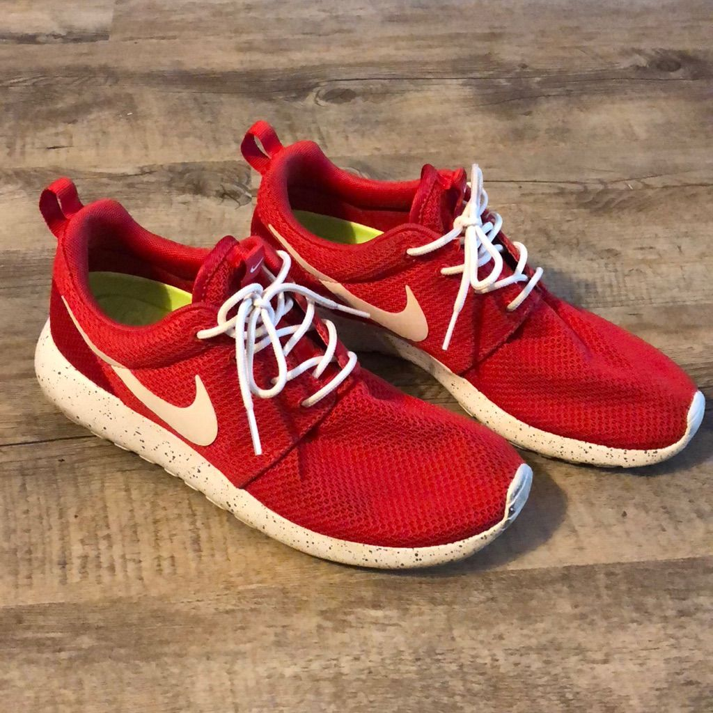 innovative design 2e25a 81e1e Nike Shoes   Womens Nike Roshes   Color: Red   Size: 9 in ...