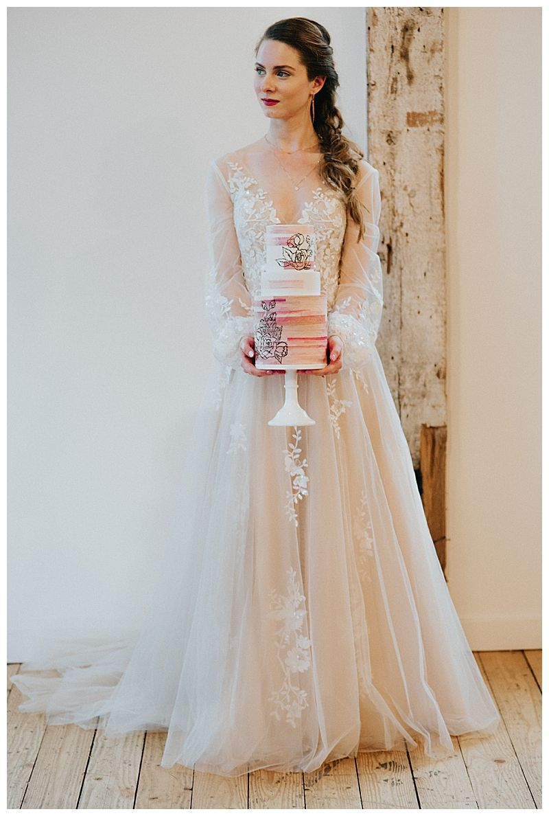 Romance Meets Modern In This Seattle Wedding Inspiration Love Inc Mag Wedding Dresses Simple Wedding Dress Inspiration Ball Gown Wedding Dress [ 1188 x 800 Pixel ]