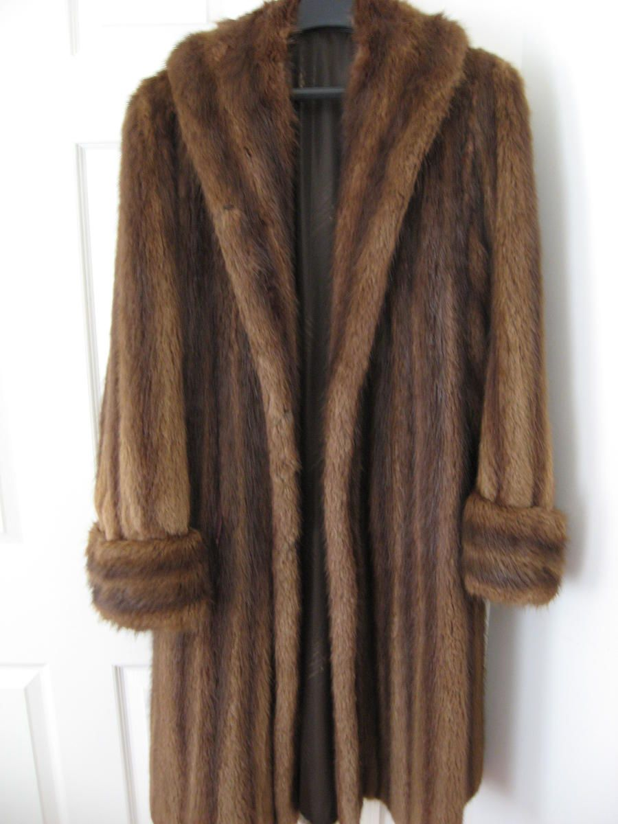 Vintage mink! OMG! With the big collar that you can pull up around ...
