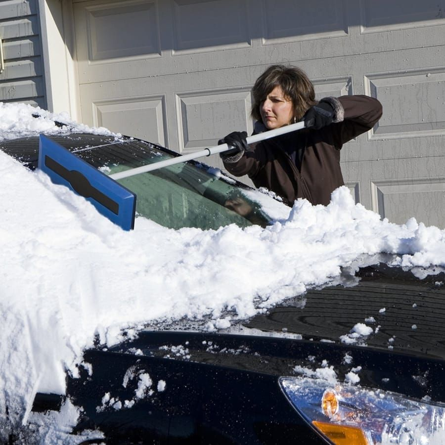 25 Things To Make Dealing With Snow Less Of A Nightmare Ice Scraper Snow Car