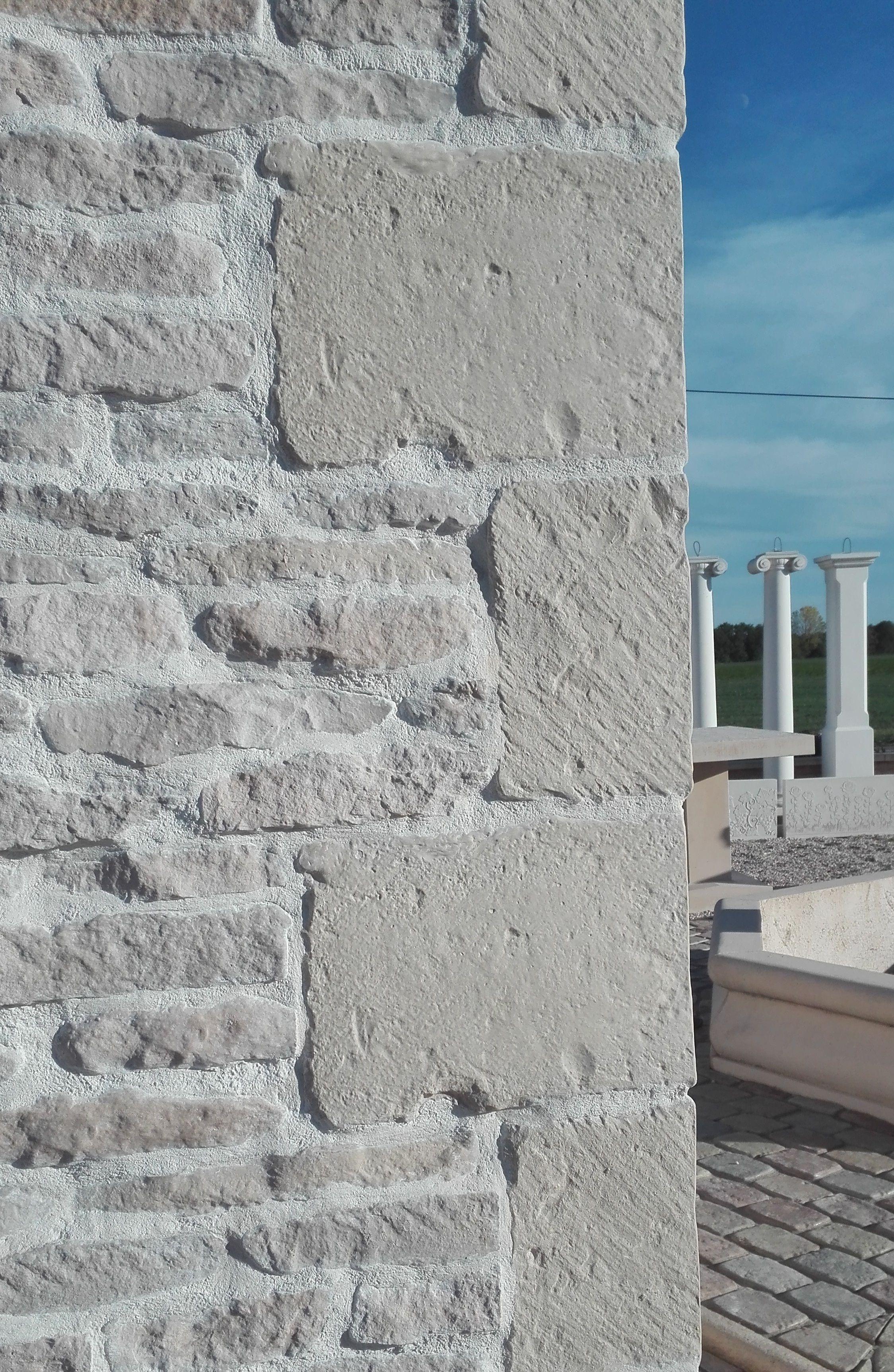 Chaine D Angle Angle De Parement Mural 45 Et 90 En Pierre Reconstituee Replique Ancienne Parement Pierre Exterieur Parement Mural Facade Maison