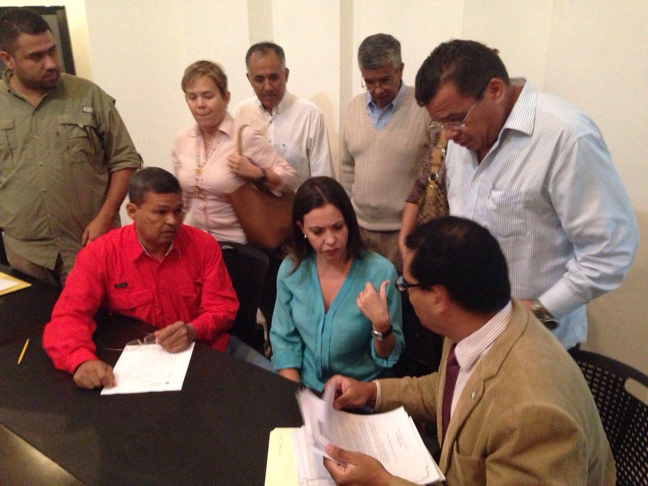 �Los rectores no pueden tener vinculaciones con partido pol�tico alguno� La diputada Machado se�ala que la designaci�n de rectores..