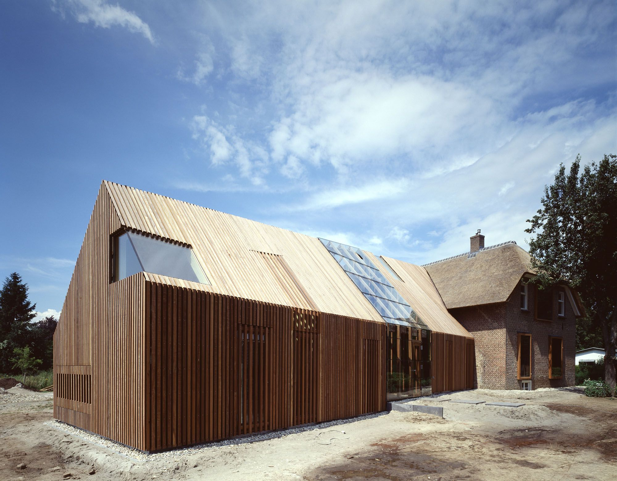 Search Wolzak Farmhouse Renovation And Extension Zutphen Nl Barn House Design Architecture Roof Cladding