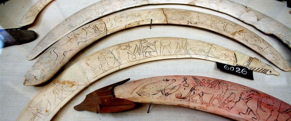 Ancient Egyptian magic ivory wands demon | Ivoires magiques ...