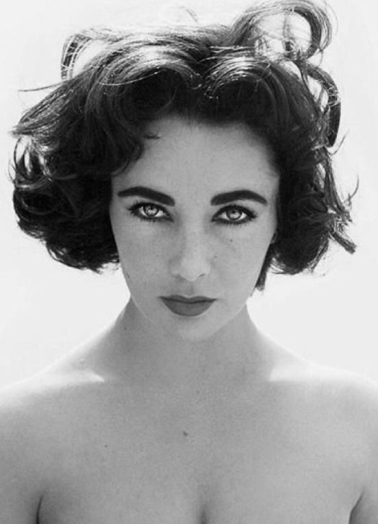 Golden Age Hollywood — Elizabeth Taylor #hollywoodgoldenage