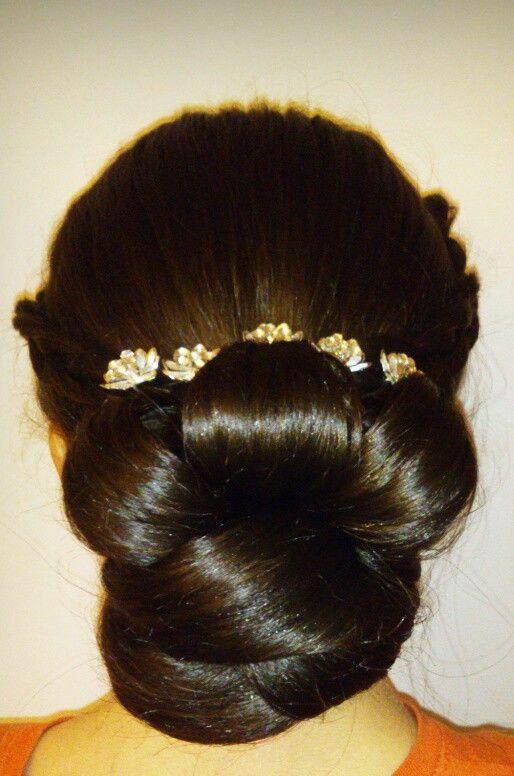 Formas de moda también peinados con bucles Colección De Cortes De Pelo Consejos - Peinado con trenza y bucles :) | Hairstyle, Makeup, Make up